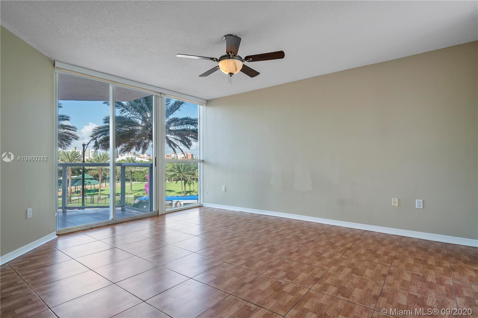 17275 W Collins Ave #301 photo022