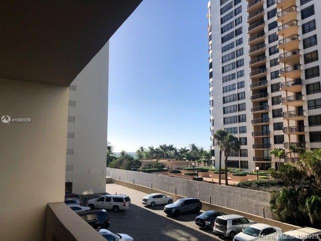 10185 Collins Ave #411 photo01
