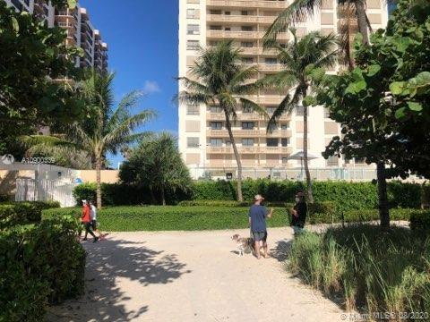 10185 Collins Ave #411 photo04