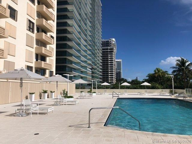 10185 Collins Ave #411 photo08