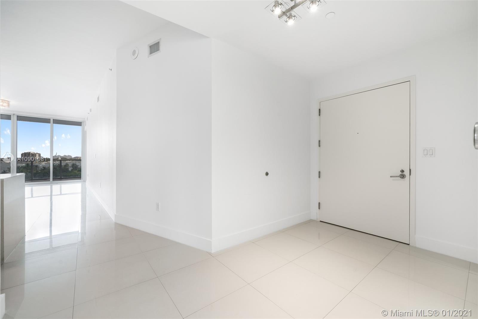 Photo of 2020 N Bayshore Dr #603 listing for Sale