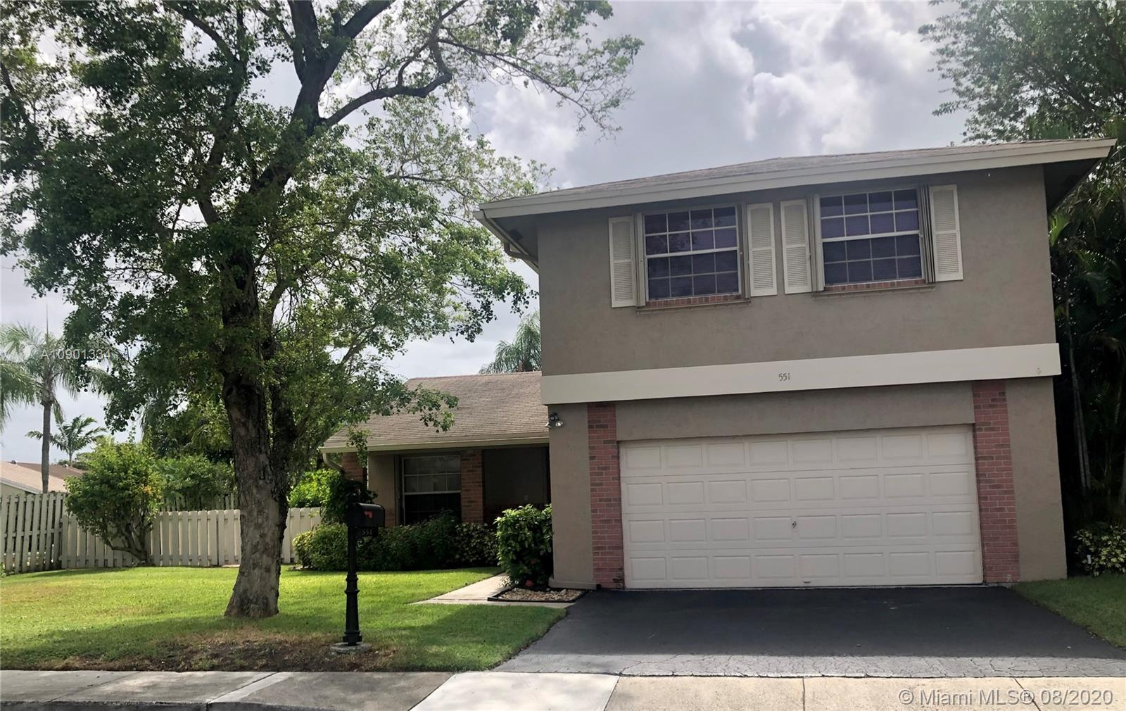 Shenandoah - 551 Auburn Way, Davie, FL 33325