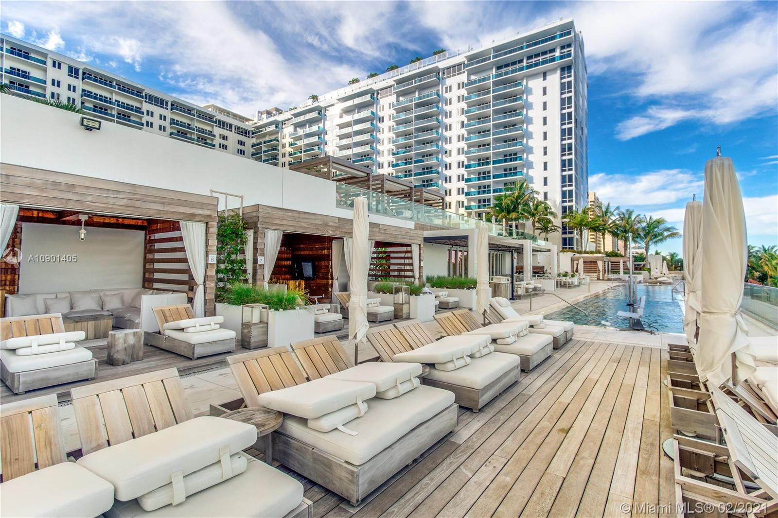 Photo of 2301 Collins Ave #1109 listing for Sale