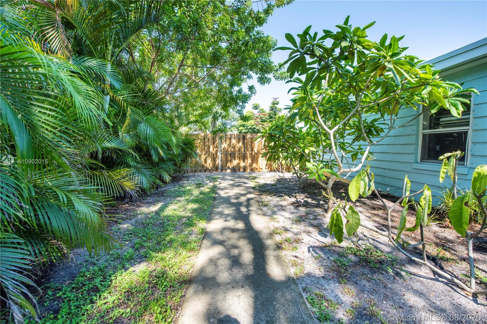 1108 SW 25th Ave photo021