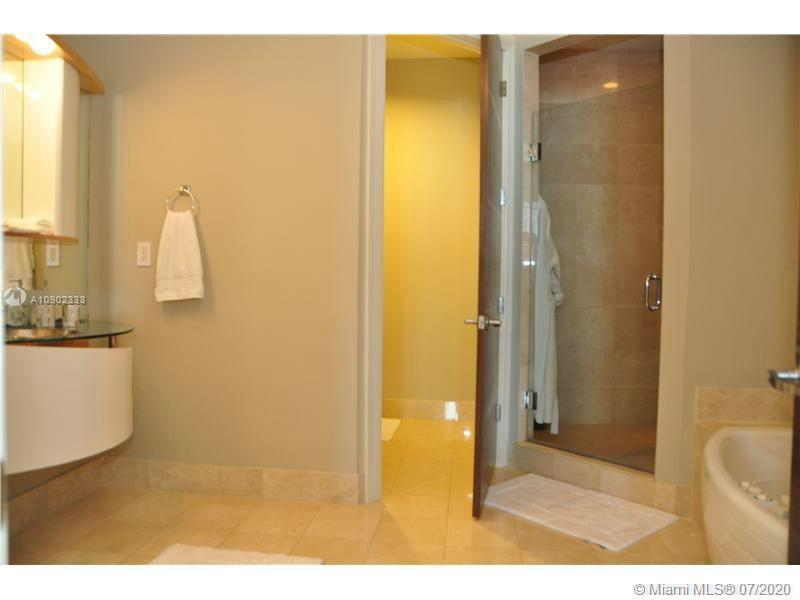 18101 Collins Ave #5106 photo011