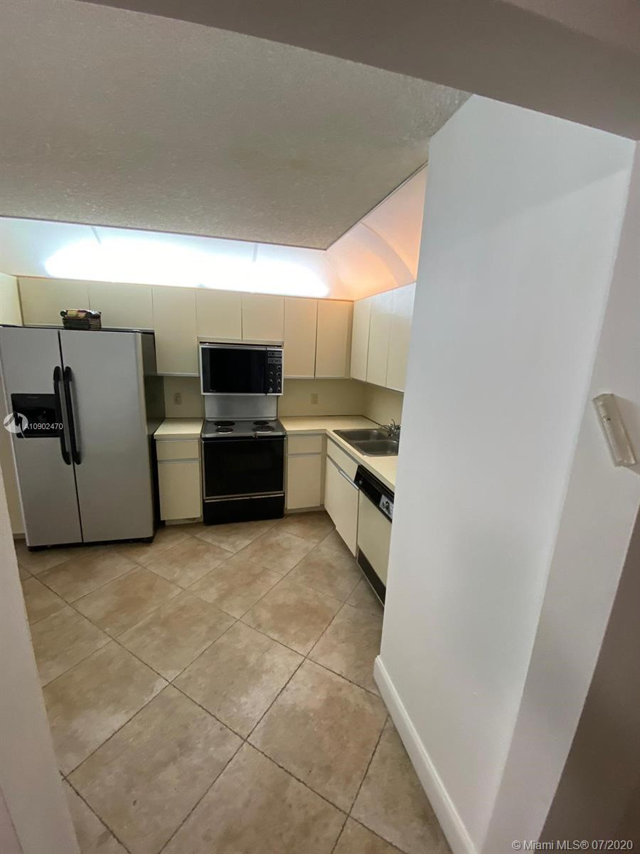 8877 Collins Ave #405 photo07