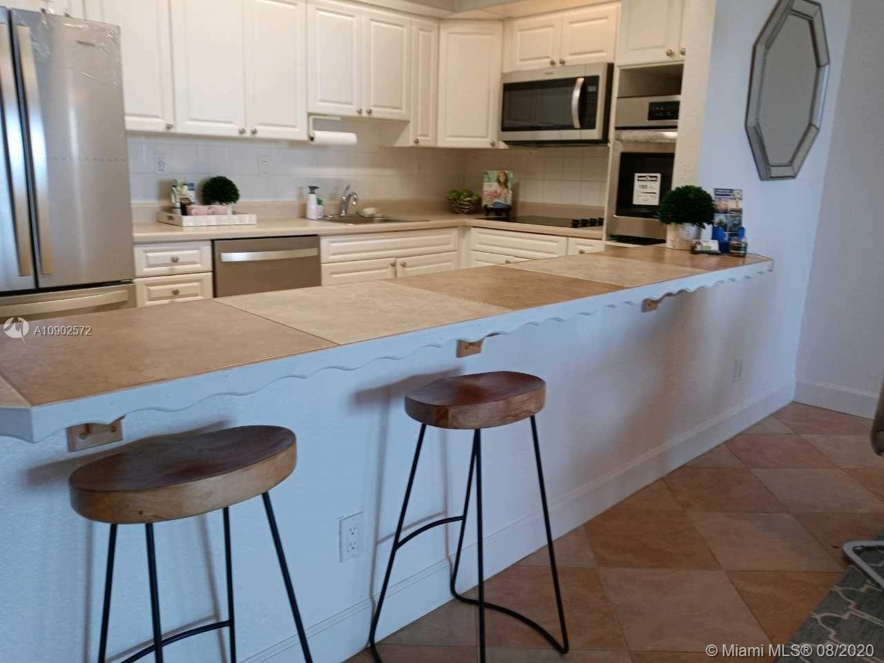 19380 Collins Ave #518 photo04