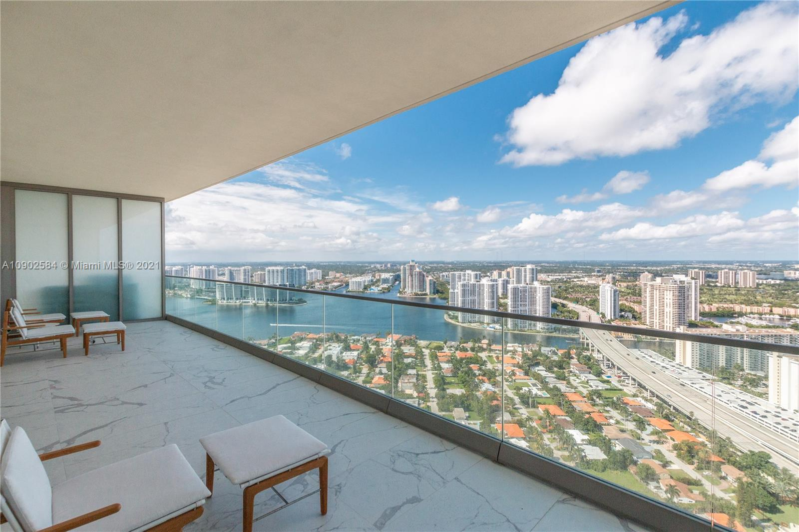 18975 Collins Ave #3903 *FURNISHED* photo011