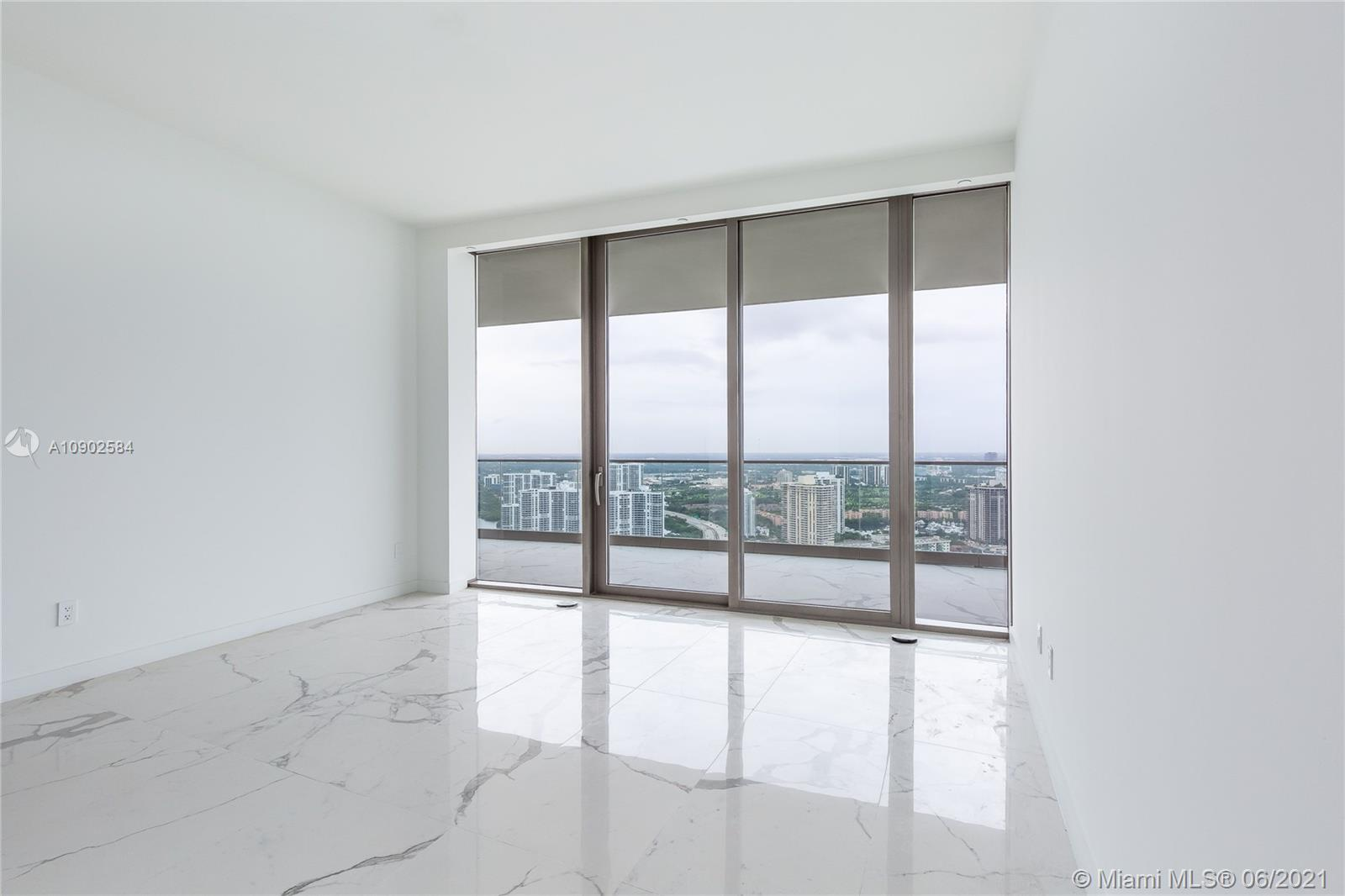 18975 Collins Ave #3903 *FURNISHED* photo040