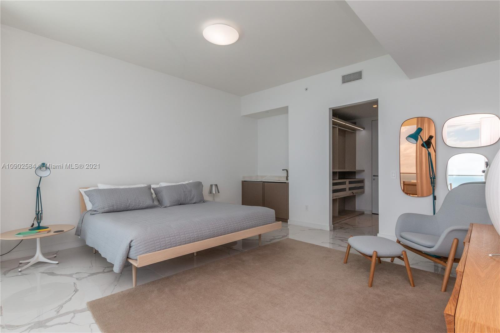 18975 Collins Ave #3903 *FURNISHED* photo021