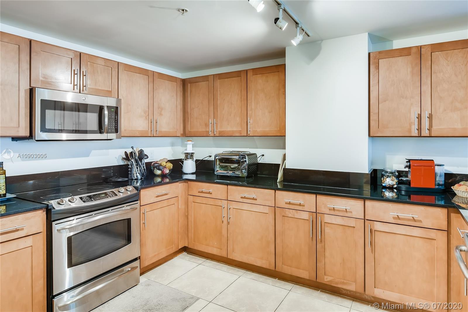 8390 SW 72nd Ave #403 photo03