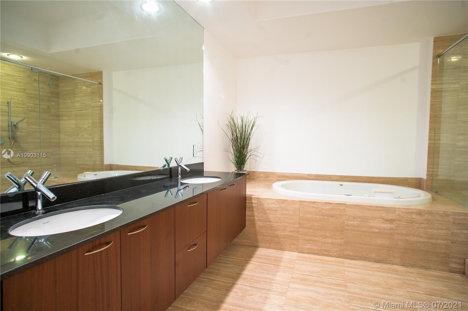 15811 Collins Ave #2403 photo012