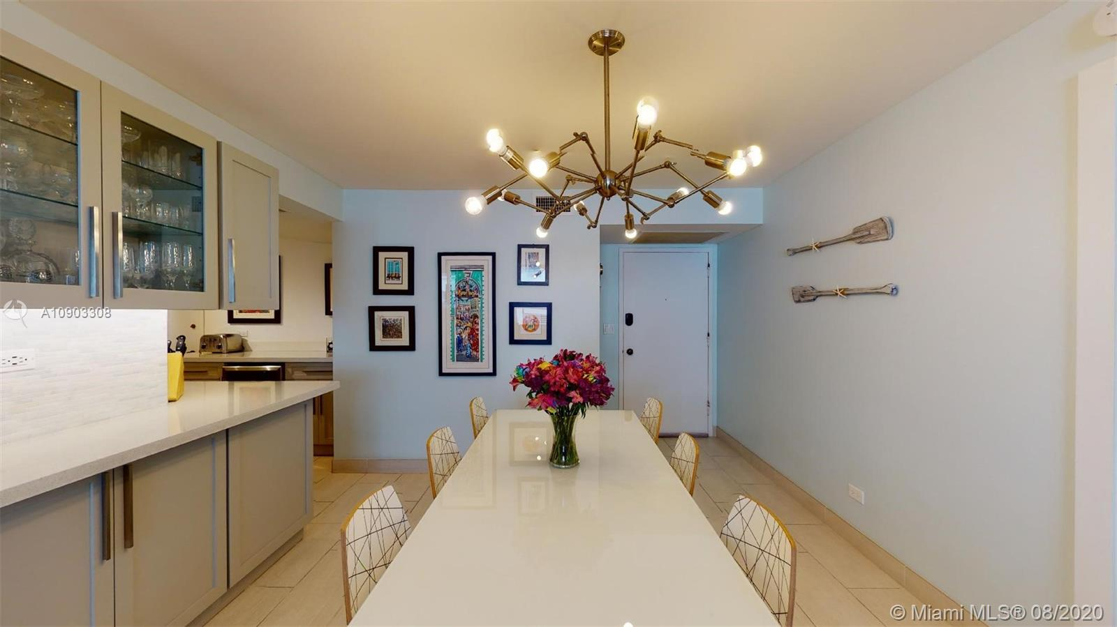 6039 Collins Ave #1223 photo06