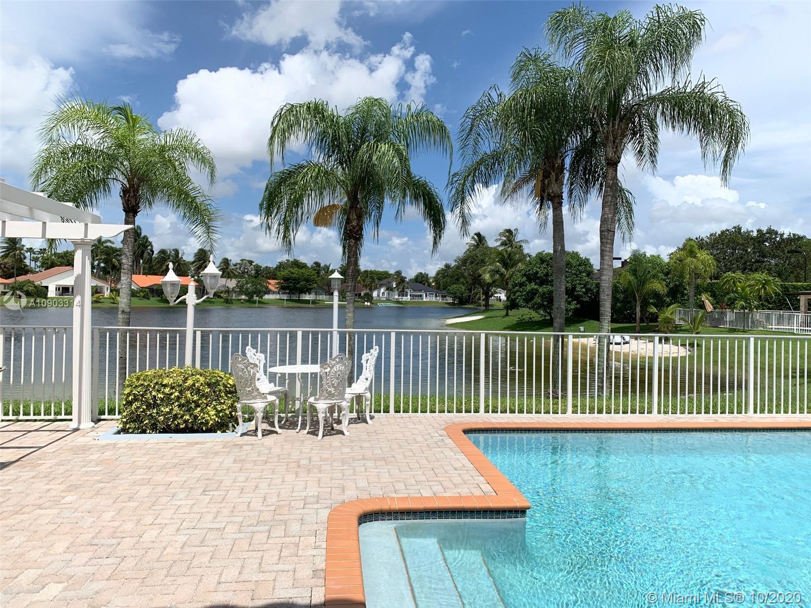 Miami Lakes - 14539 Glencairn Rd, Miami Lakes, FL 33016