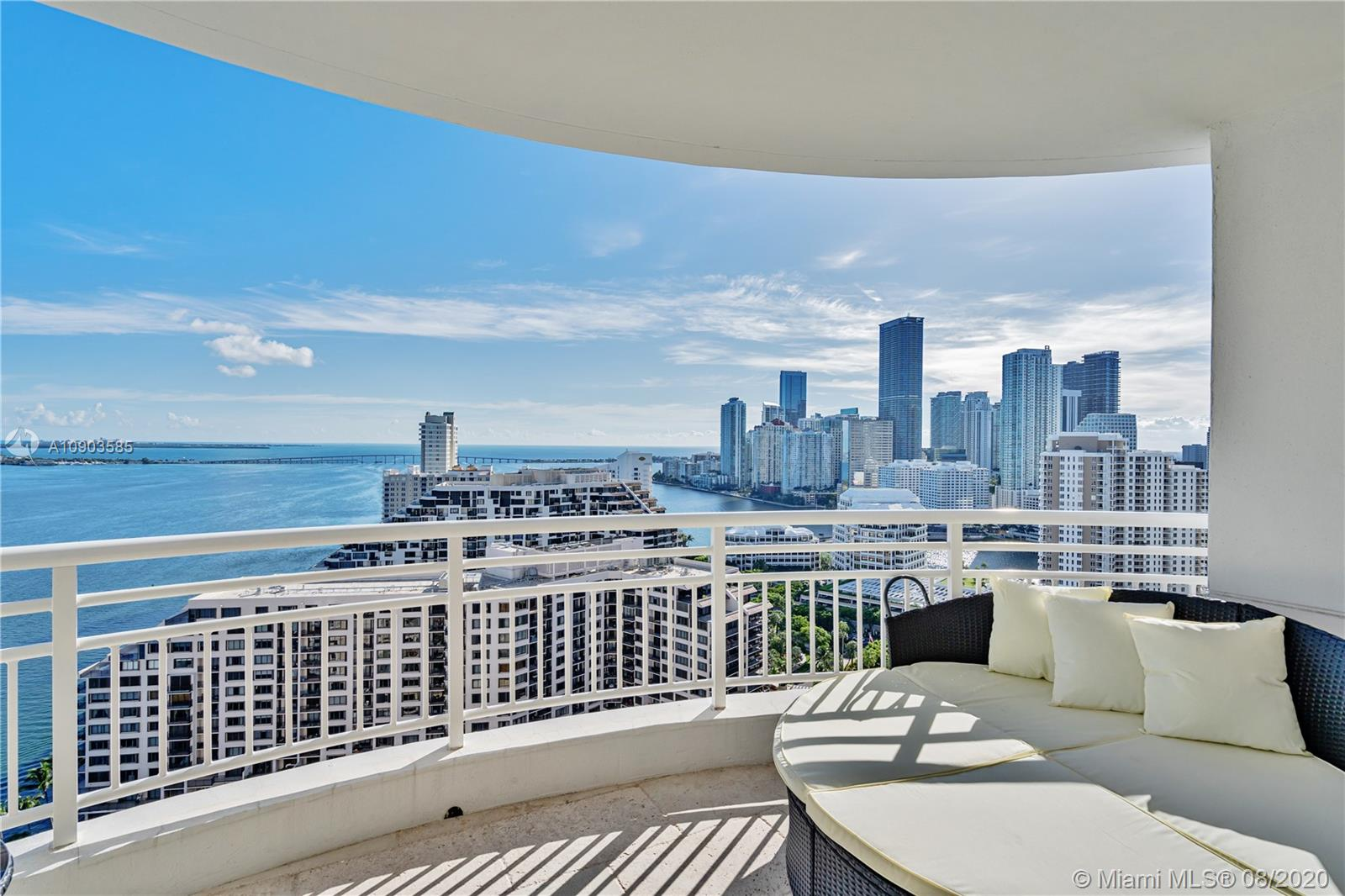 848 Brickell Key Dr #2703