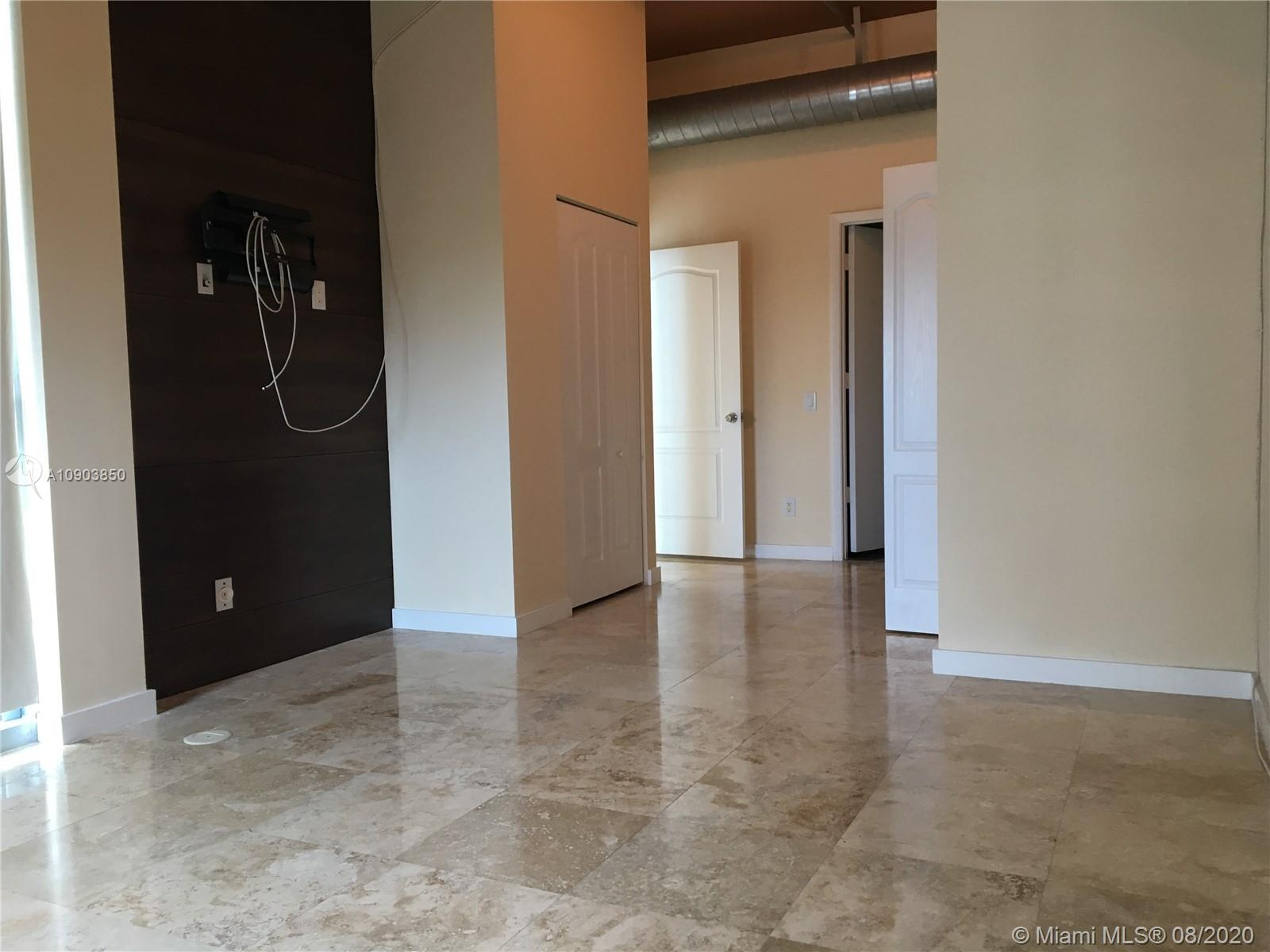 Photo of 3029 NE 188th St #725 listing for Sale