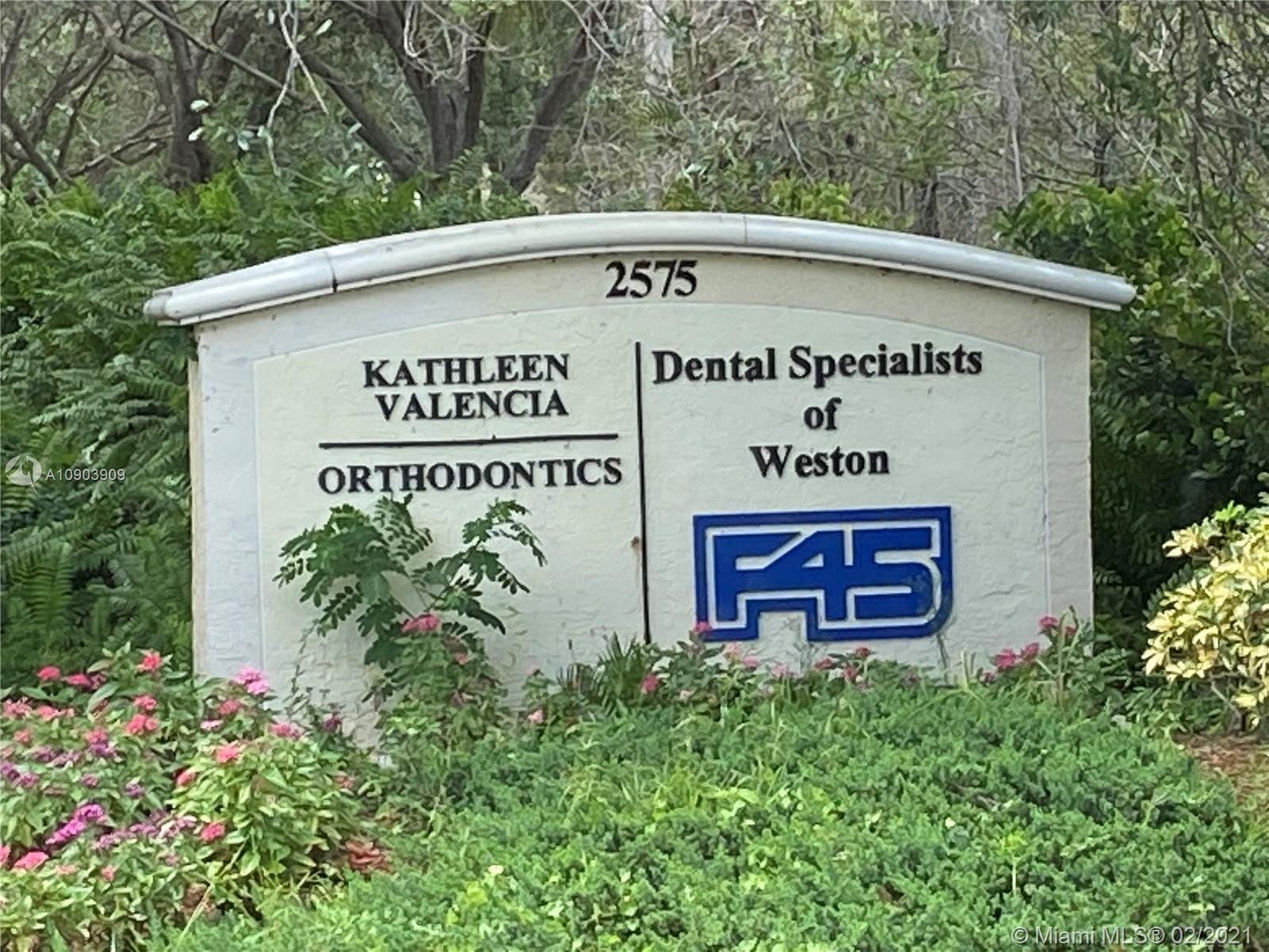 Photo - 2575 Glades Cir # 1A, Weston FL 33327