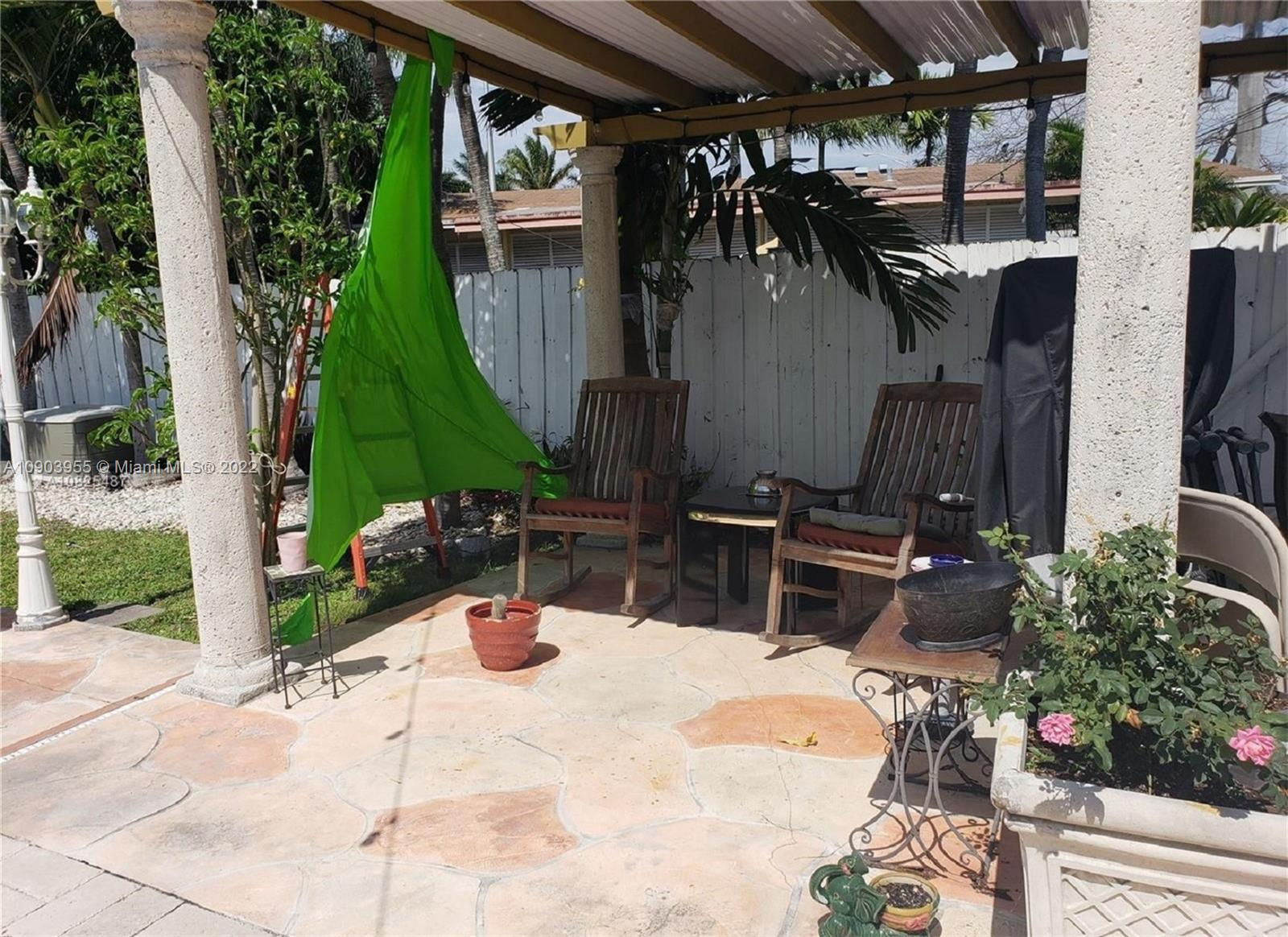 8675 SW 29th St photo030
