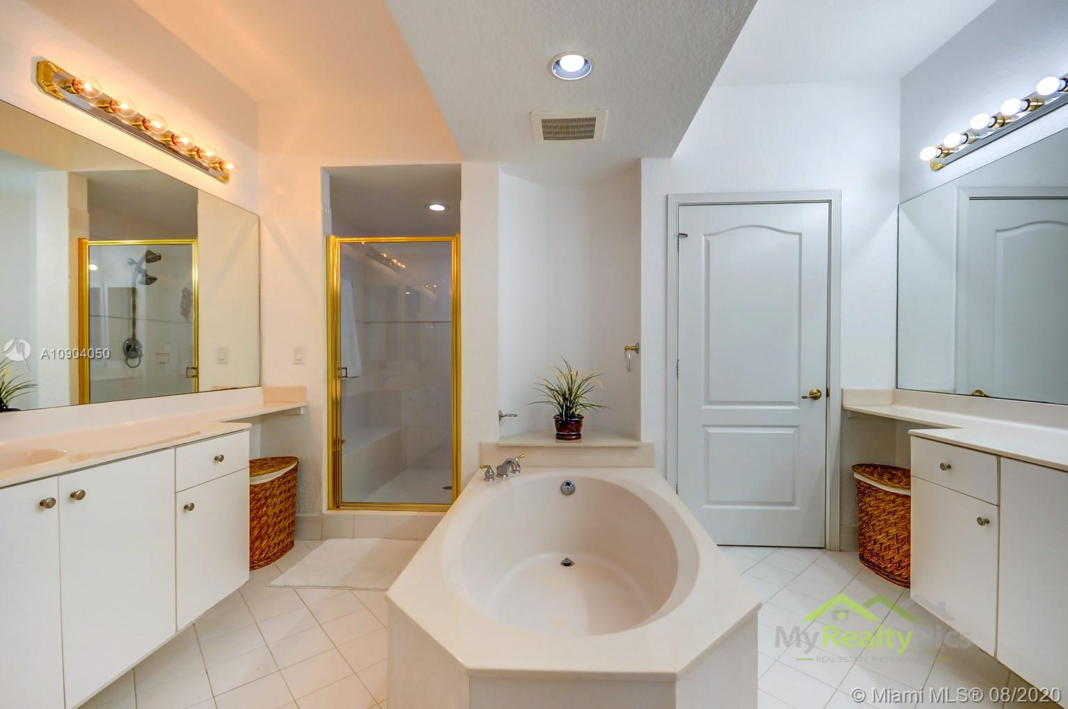 10710 NW 66th St #504 photo027