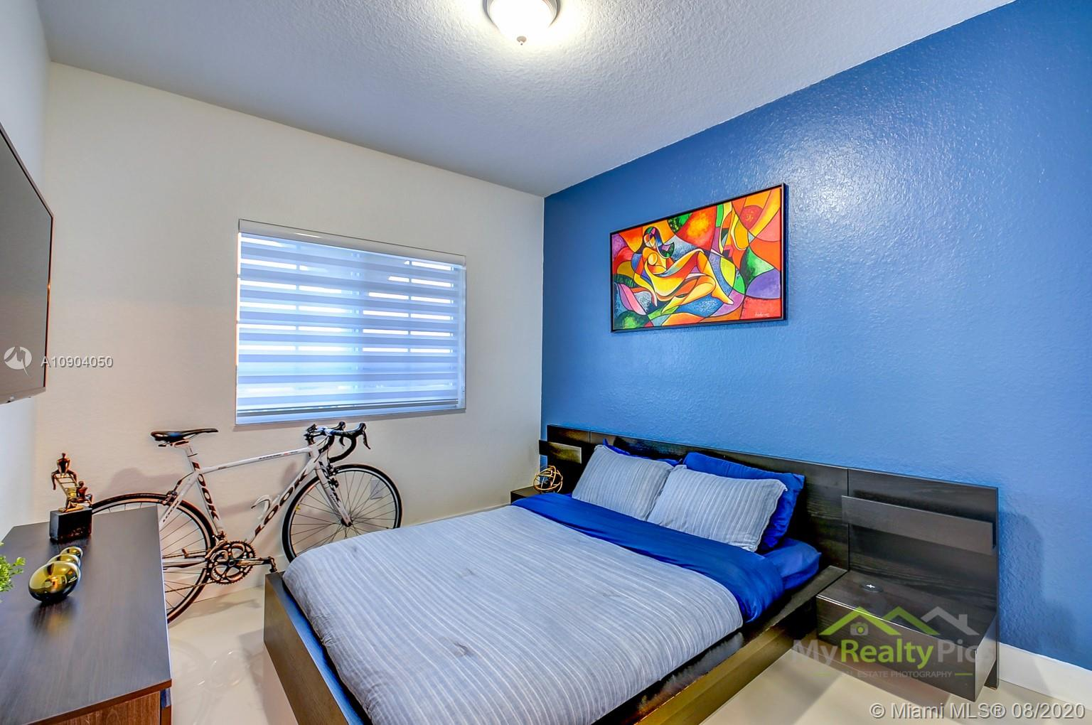 10710 NW 66th St #504 photo017