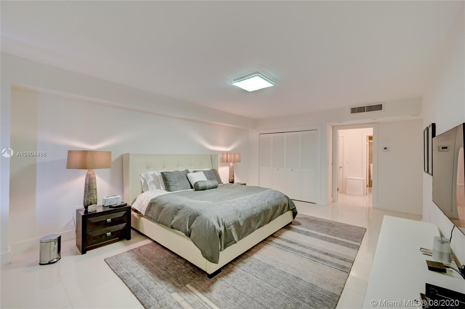 9801 Collins Ave #20H photo08