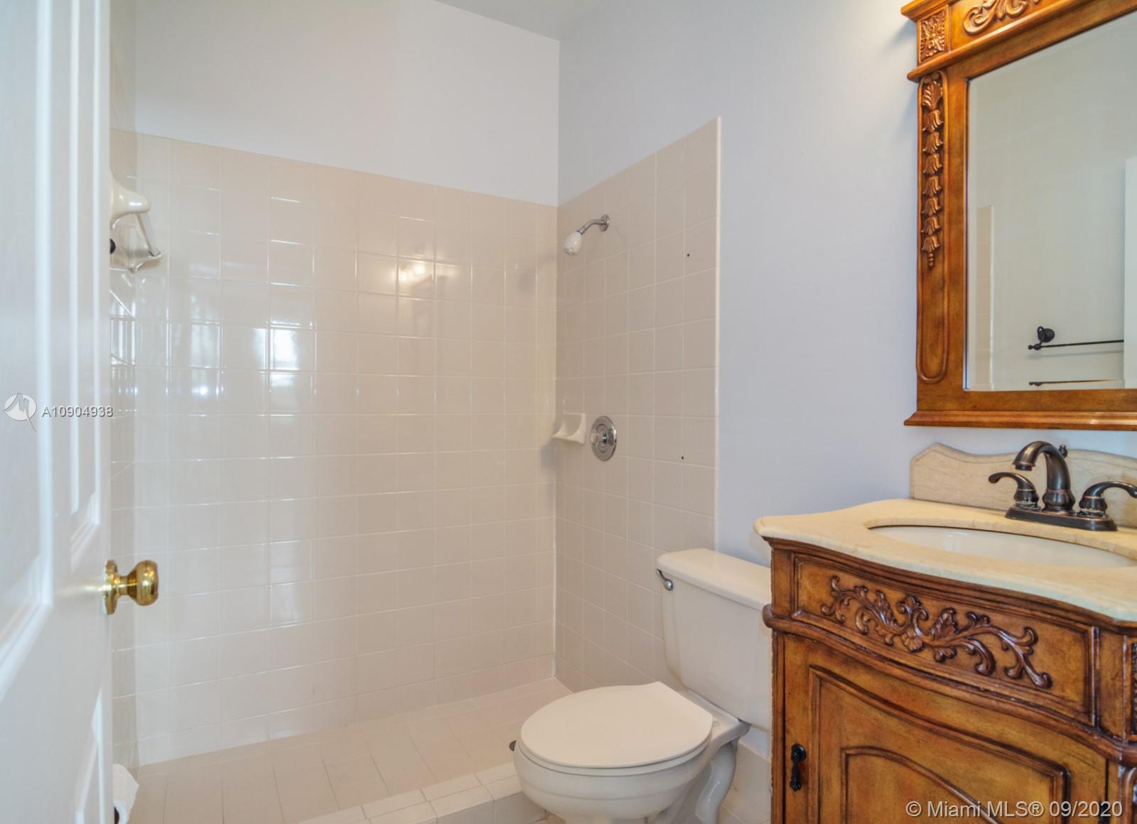 8265 NW 161st Ter photo023