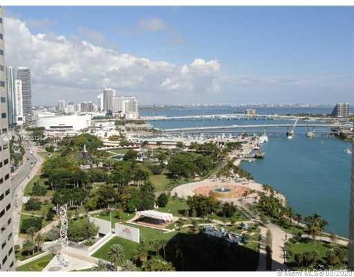 One Miami #2718 photo01