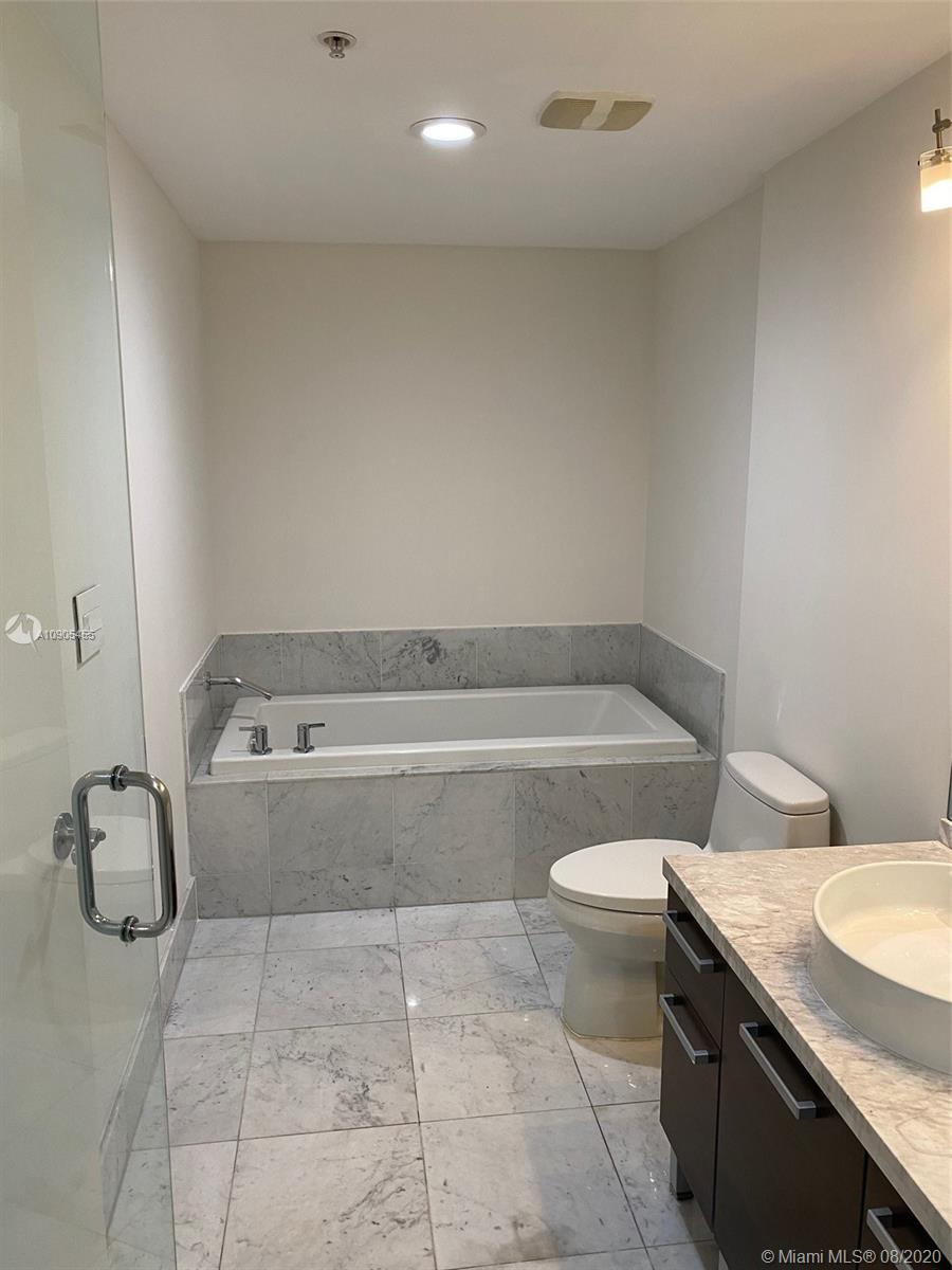 Photo of 253 NE 2nd St #3106 listing for Sale