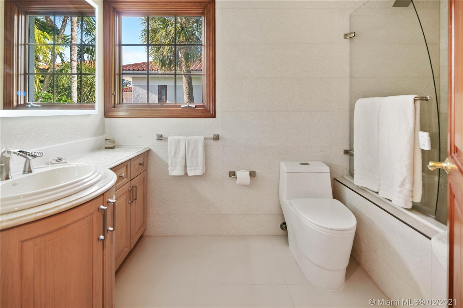 Photo of 131 Paloma Dr # listing for Sale