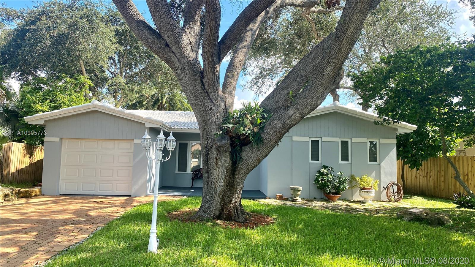 Property for sale at 223 SE 7th St, Dania Beach,  Florida 33004