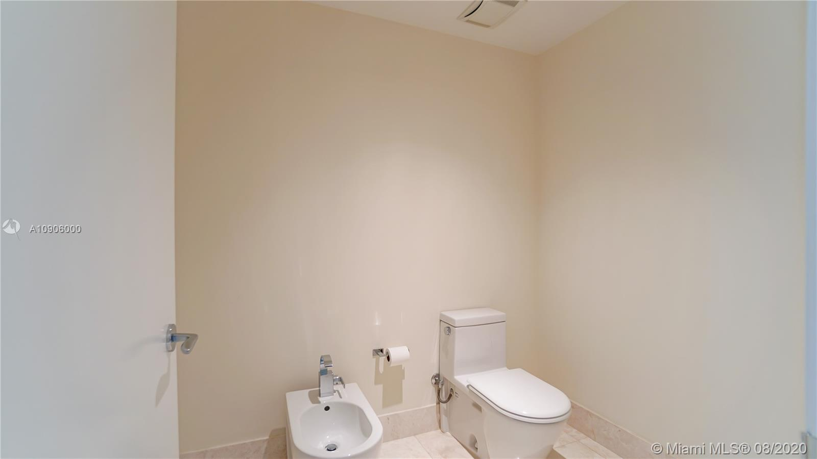 17121 Collins Ave #2904 photo027