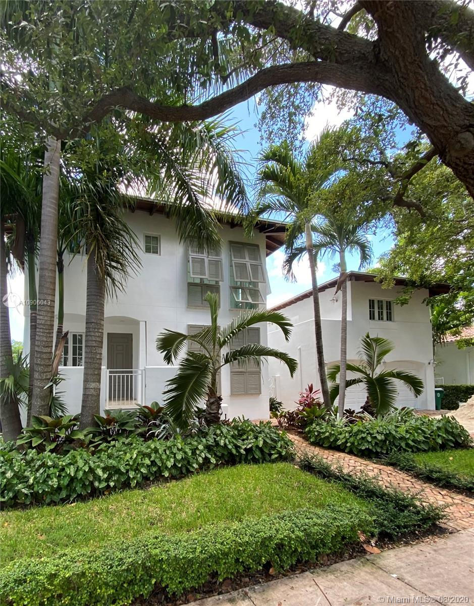 Tropical Isle Homes - 350 Woodcrest Rd, Key Biscayne, FL 33149