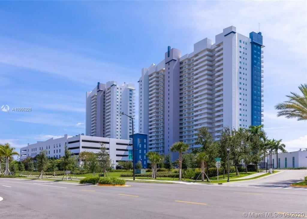 One Fifty One At Biscayne #809 - 14951 Royal Oaks Ln #809, North Miami, FL 33181