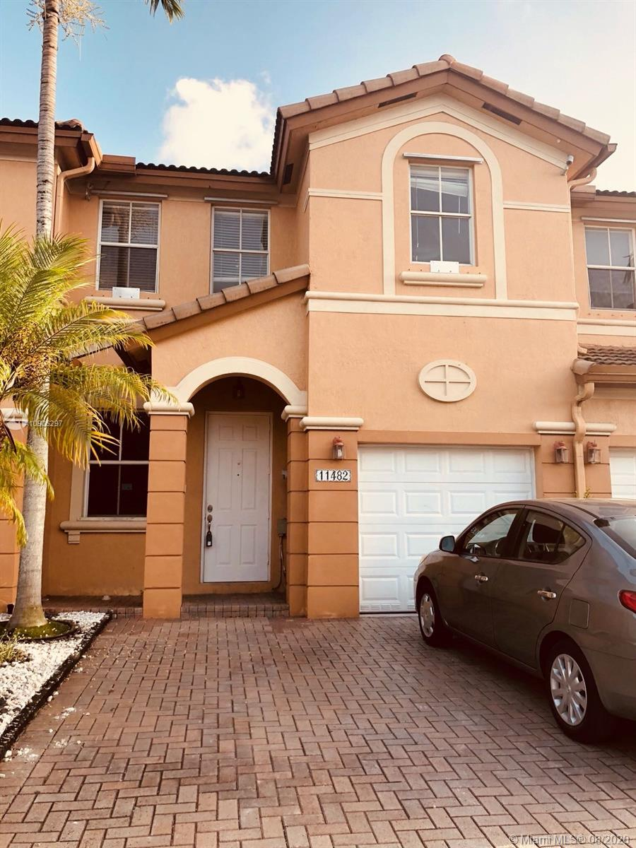 Property for sale at 11482 NW 78th Ter Unit: 11482, Doral,  Florida 33178