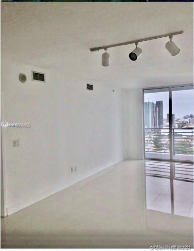 One Miami #3900 photo02