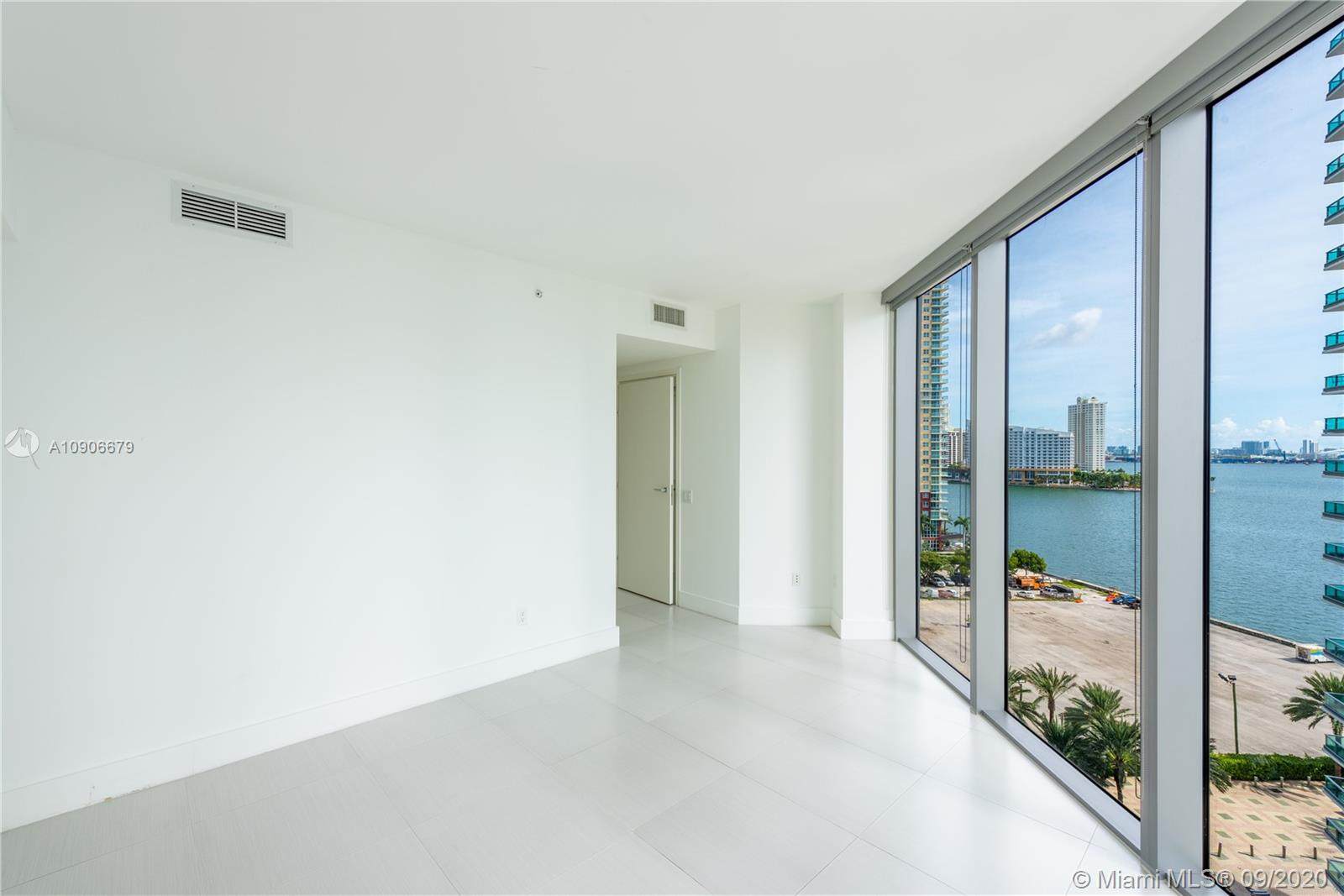 1300 Brickell Bay Dr #1208 photo06