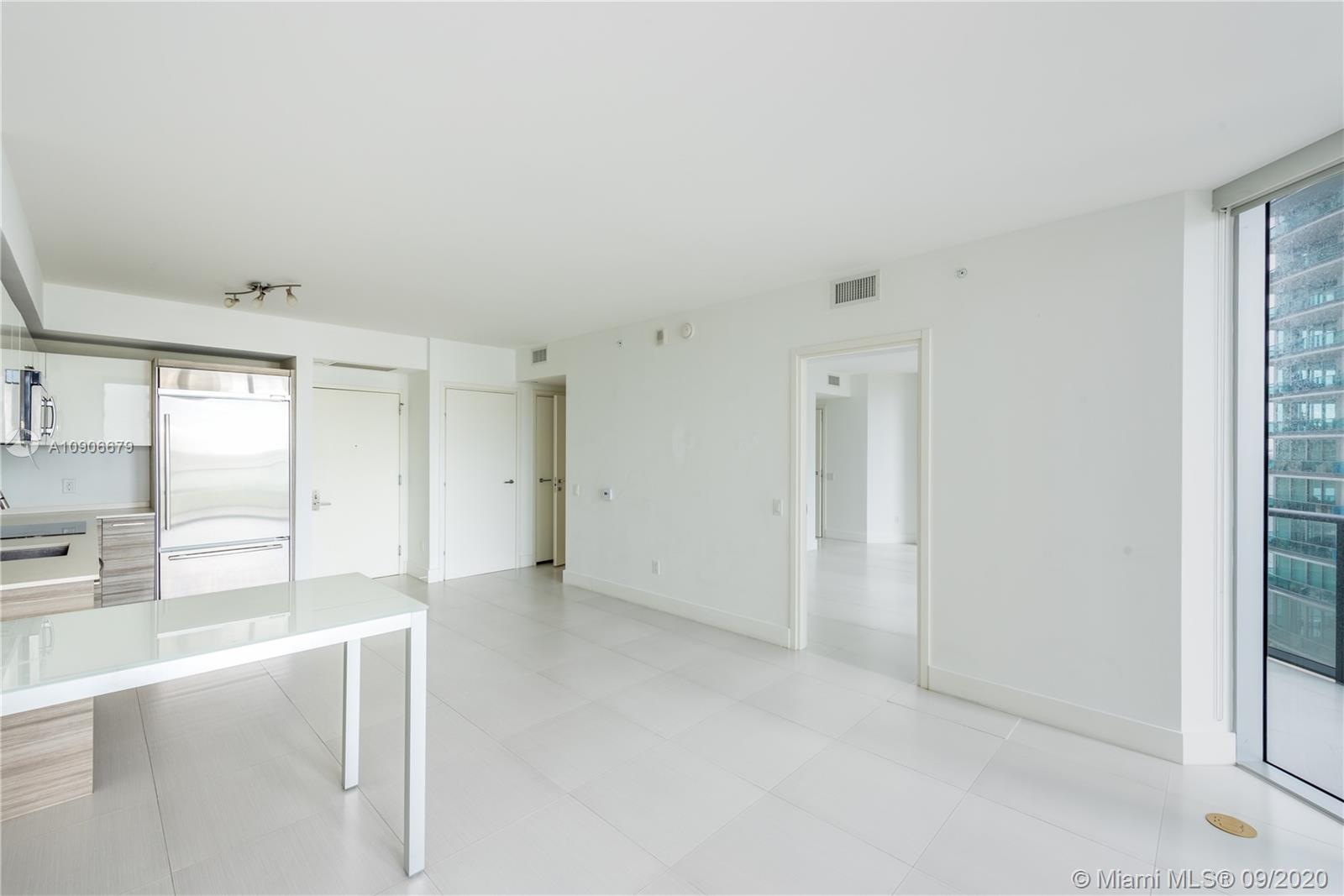 1300 Brickell Bay Dr #1208 photo012