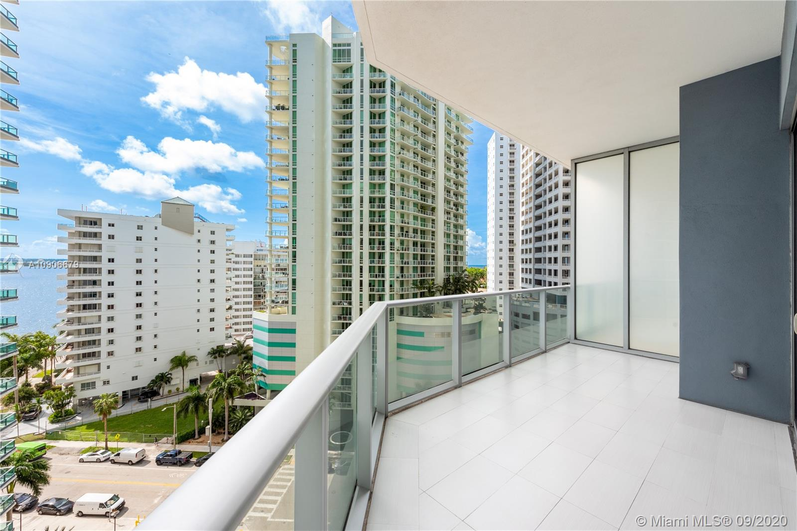 1300 Brickell Bay Dr #1208 photo03