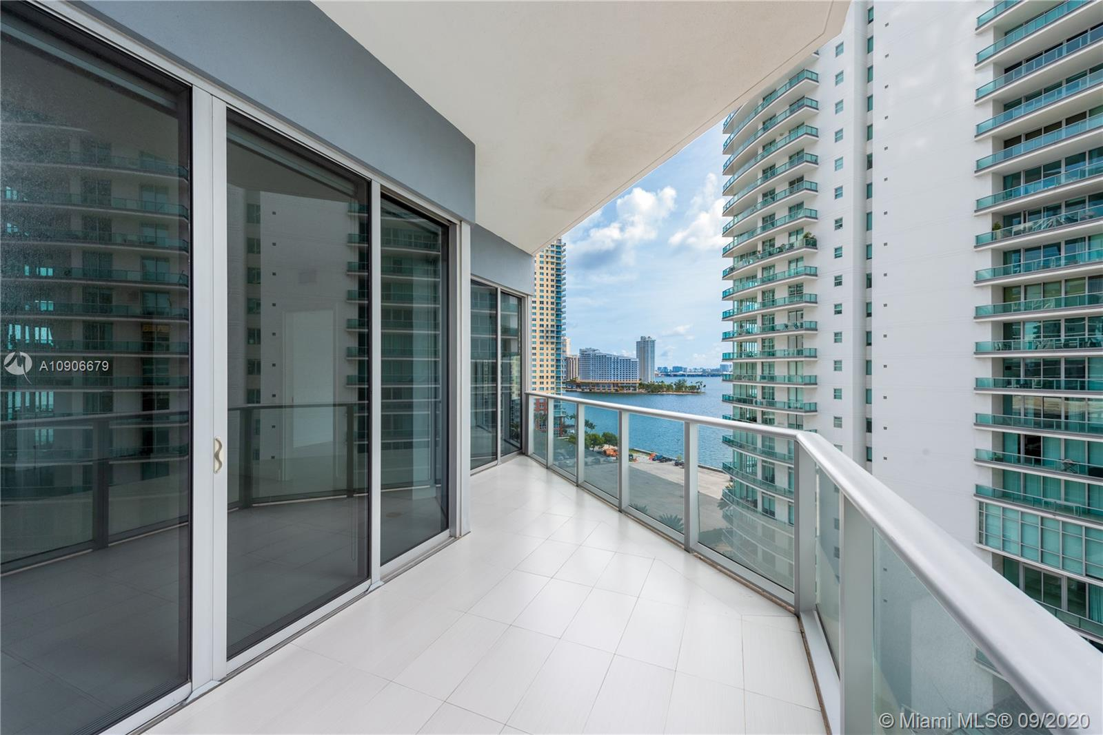 1300 Brickell Bay Dr #1208 photo01