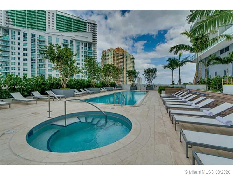1300 Brickell Bay Dr #1208 photo049