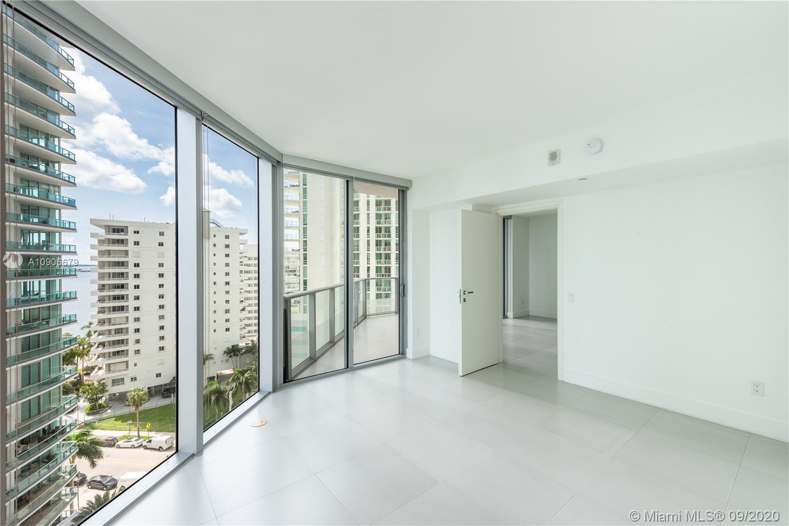 1300 Brickell Bay Dr #1208 photo015