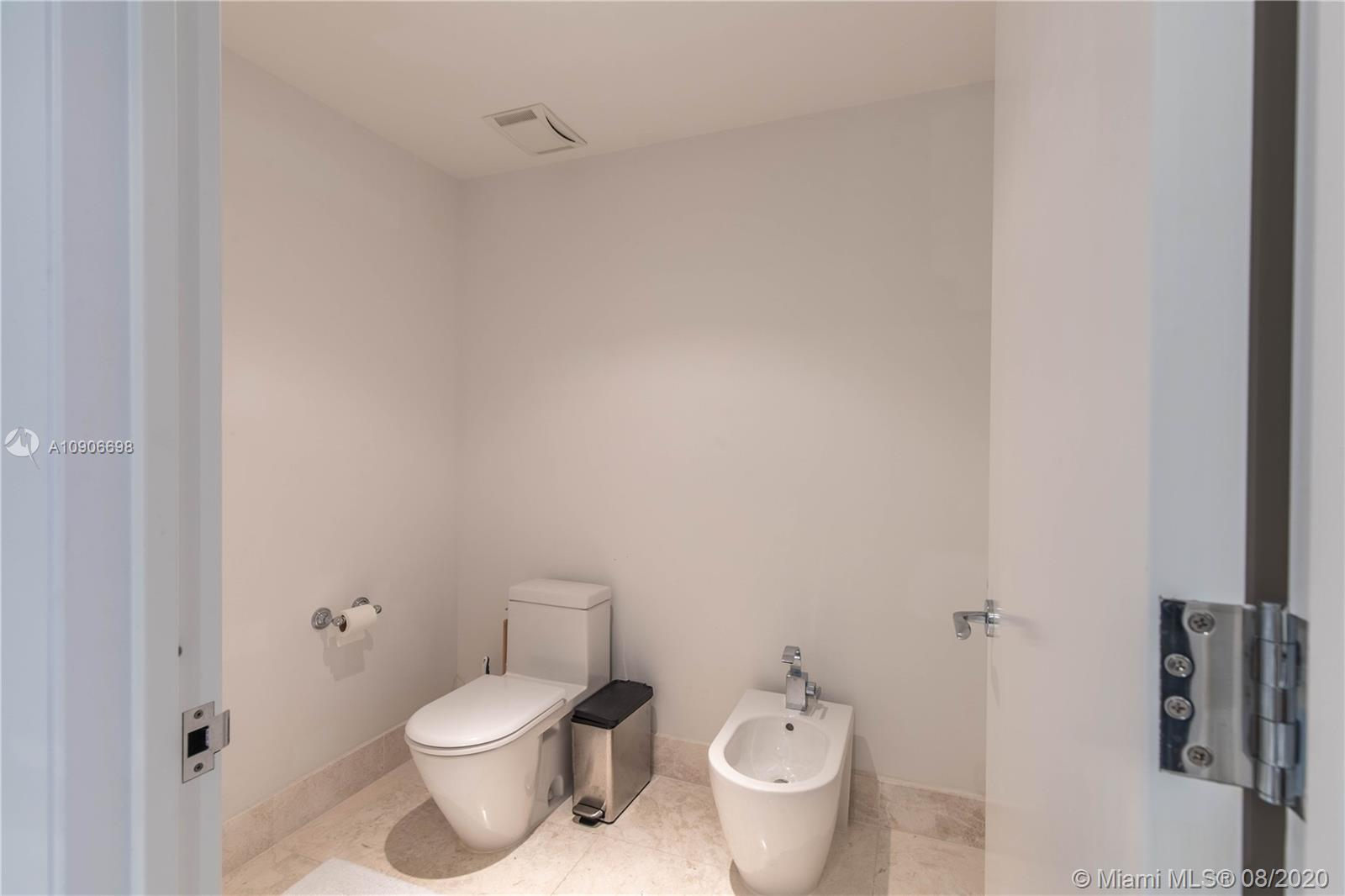 17121 Collins Ave #4205 photo013
