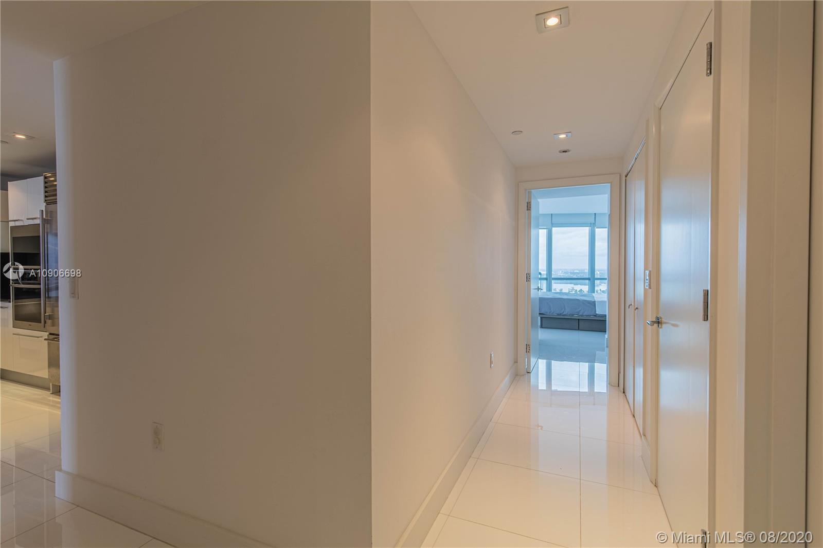 17121 Collins Ave #4205 photo026
