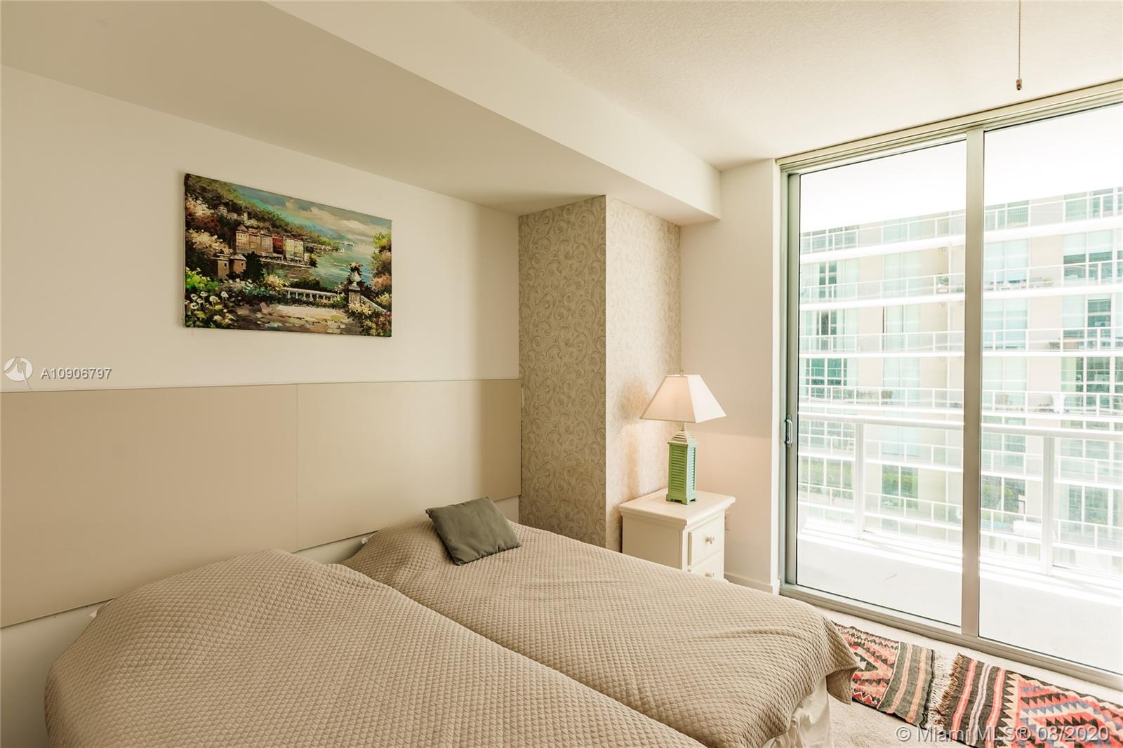 1111 SW 1st Ave #1414-N photo022