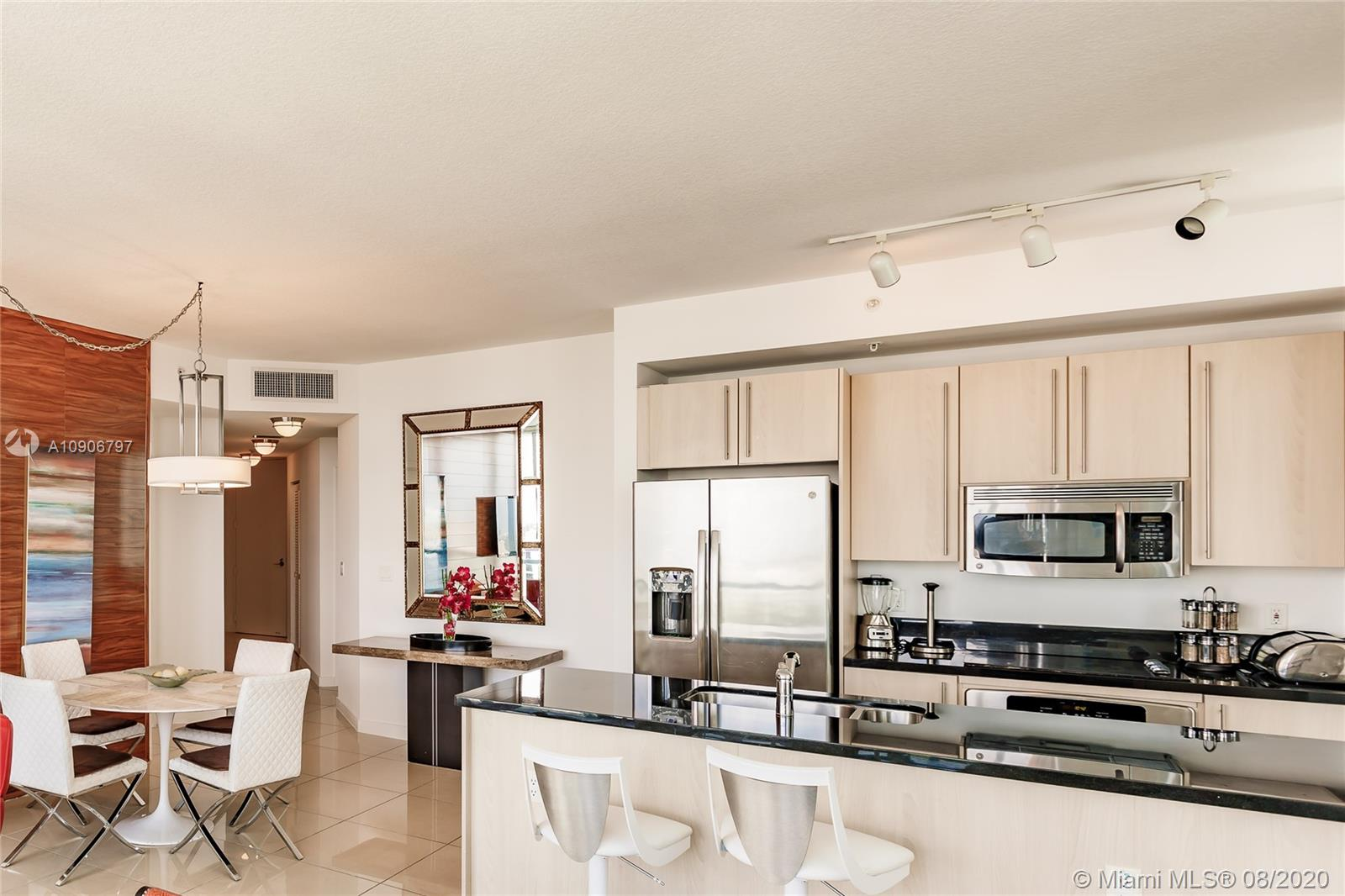 1111 SW 1st Ave #1414-N photo05
