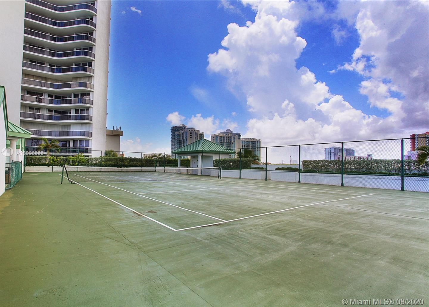 16711 Collins Ave #310 photo06