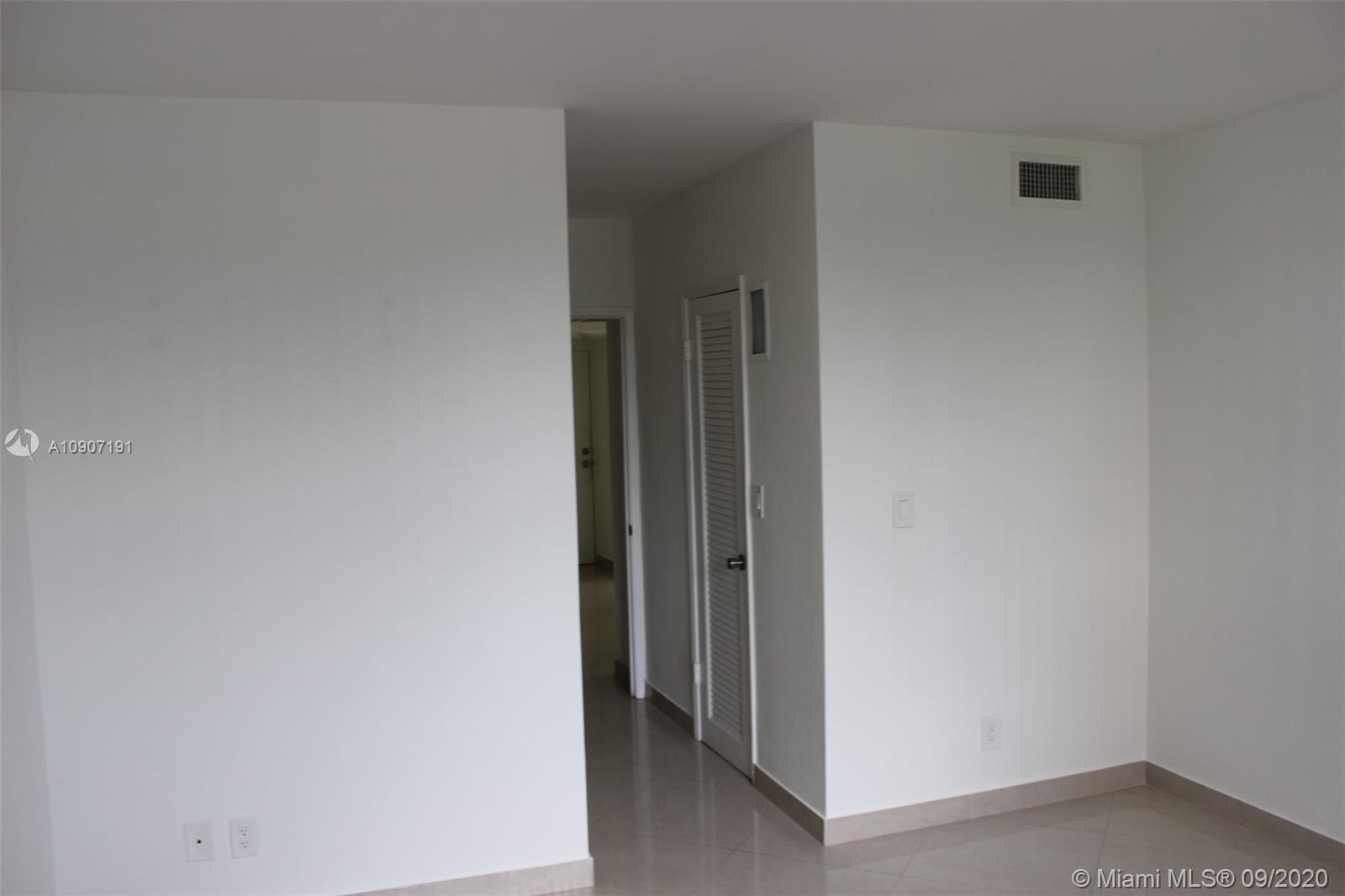 19390 Collins Ave #209 photo023