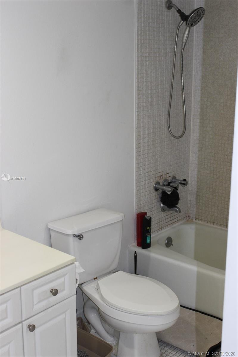 19390 Collins Ave #209 photo020
