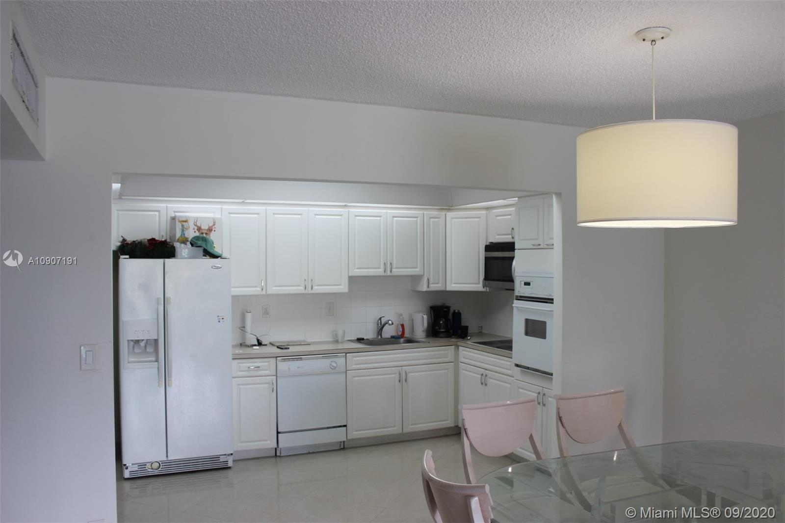 19390 Collins Ave #209 photo09