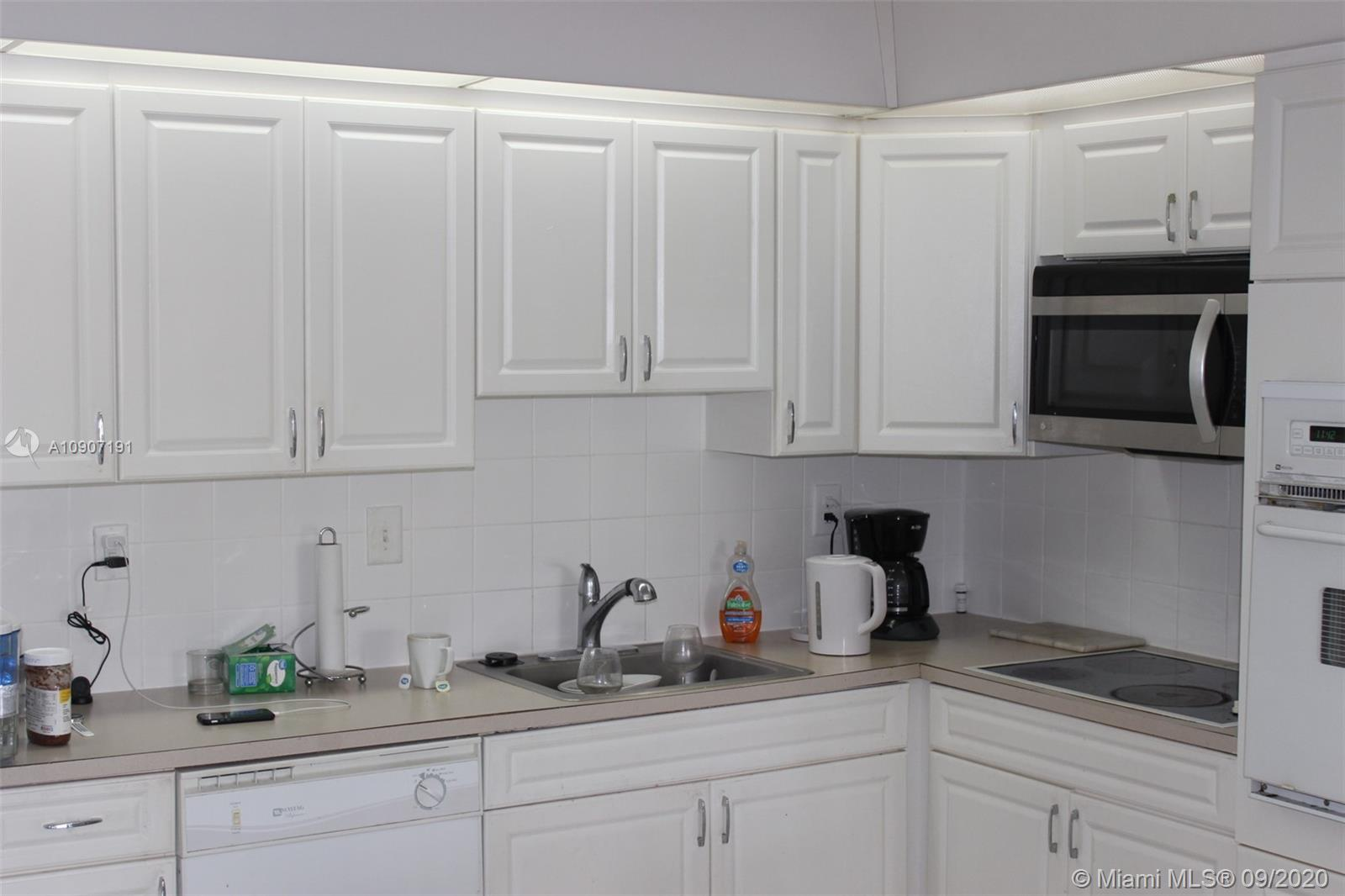 19390 Collins Ave #209 photo04